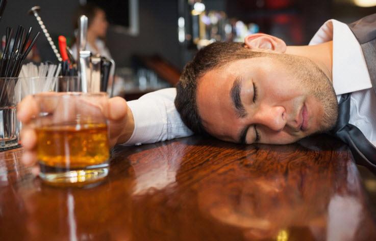 xuất tinh sớm có cần kiêng rượu không1