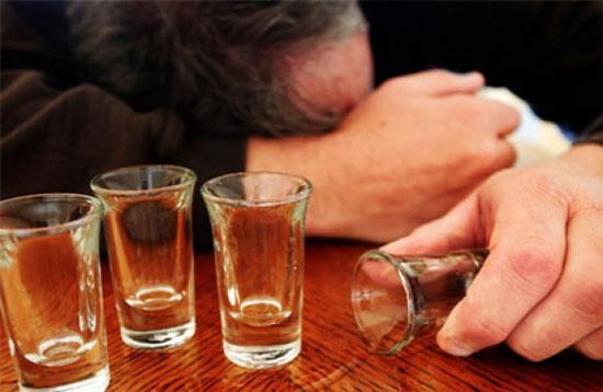 tại sao không xuất tinh khi quan hệ - nam giới phải nghĩ tới rượu bia
