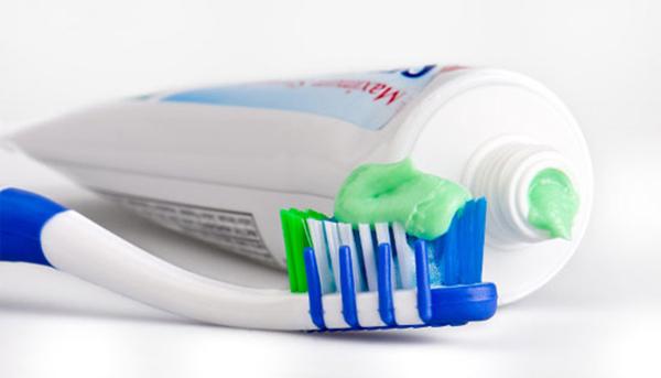 Nên dùng kem đánh răng chứa bạc hà để kéo dài thời gian quan hệ