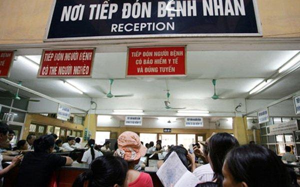 khám bệnh tại Bệnh viện Bạch Mai