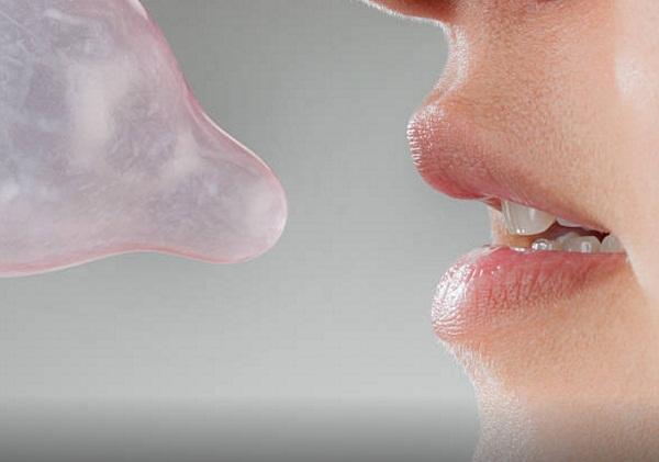Quan hệ bằng miệng có cần dùng bao cao su không?